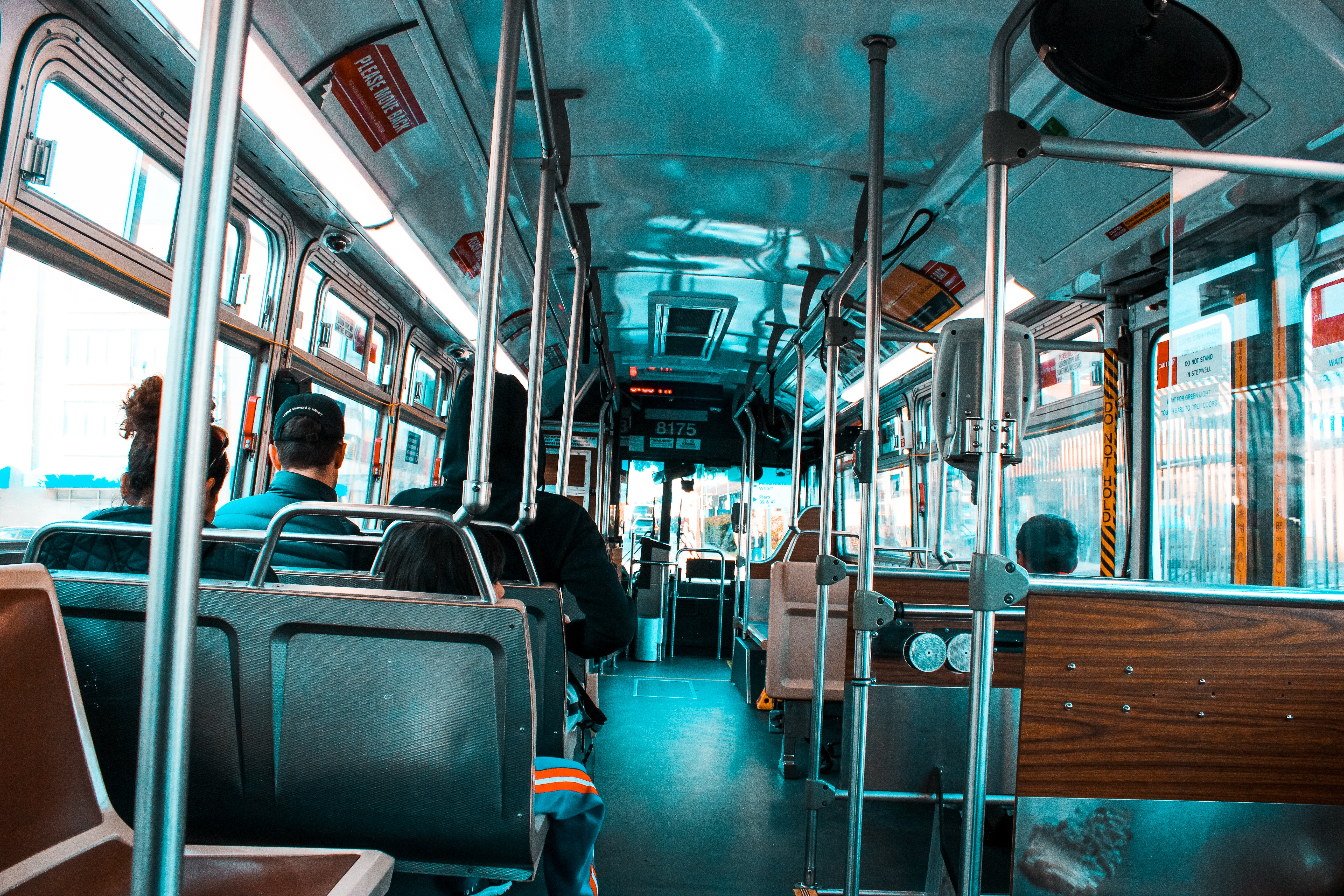 bus-business-commuters